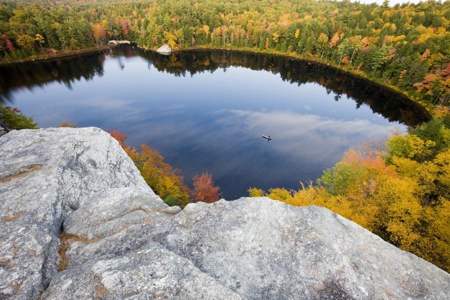 Fall Foliage Tour of Stonehouse Pond in Barrington